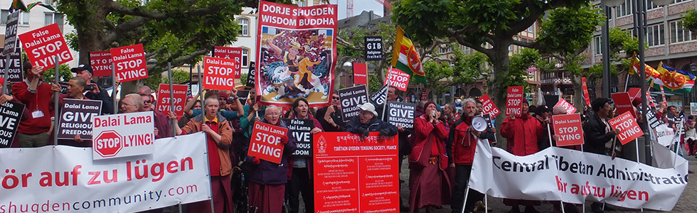 Dalai Lama protesters - International Shugden Community (ISC) in Frankfurt/Main May 2014