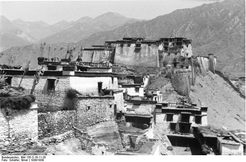 Rinpung Dzong, Rong Valley.
